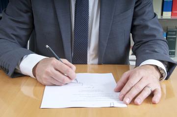 Unterschrift beim Notar