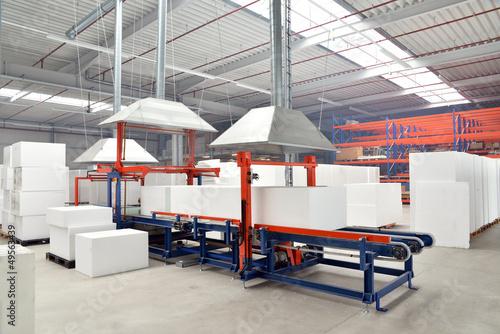 Arbeitsplatz in d. Industrie - 49563439