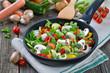 Buntes, knackiges Gemüse in der Pfanne