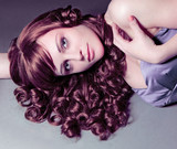 Fototapety Starlet mit roten Locken / haircolors-20