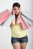 Ragazza con shopper