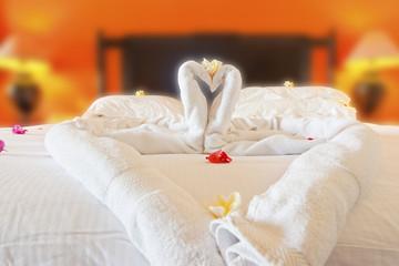 décor romantique pour lune de miel, nuit de noces