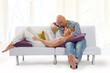 Paar beim entspannenauf der Couch