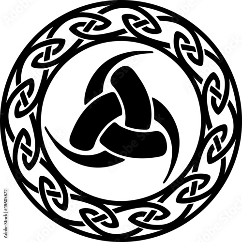 Triple Horn of Odin, Celtic endless knot