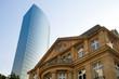 canvas print picture - Altbau und modernes Hochhaus in Frankfurt
