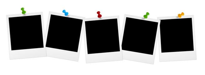 5 Polaroids in Reihe mit farbigen Pins