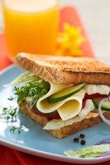 Sandwich mit Käse und Kresse