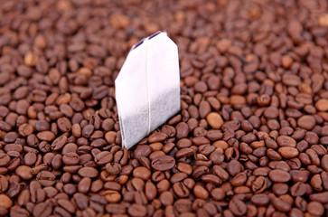 Kaffeebohnen mit Teebeutel 01