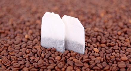 Kaffeebohnen mit Teebeutel 03