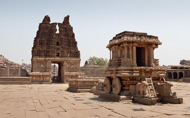 Ruinas en el templo de Vitthala, Hampi, India