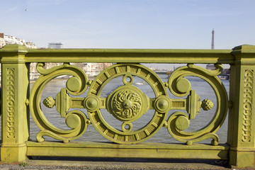 rambarde du  pont Mirabeau,  Paris