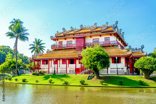 Leinwanddruck Bild Wehart Chamrunt Palace in Bang Pa-In Palace, Ayutthaya, Thai