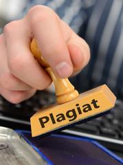 Stempel mit Hand und Plagiat