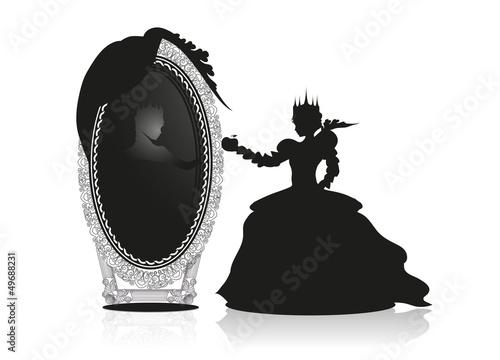 Die böse Königin vor dem sprechenden Spiegel - 49688231
