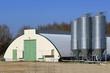 hangar pour élevage de poulets