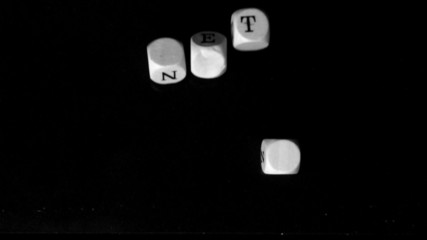 Netz dice falling together