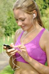 Joggerin mit MP3-Player