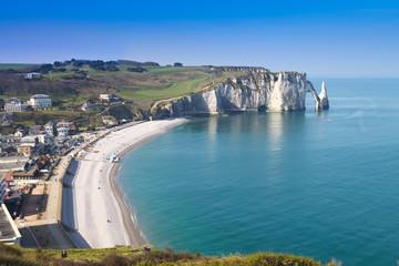 plage et falaises à etretat