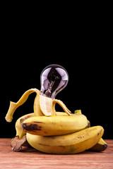 plátanos de Canarias rodeando a una bombilla