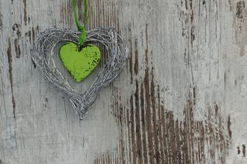 Holzwand mit Herz