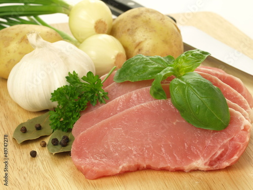 Sliced meat with vegatables