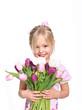 Mädchen mit Blumenstrauß isoliert,