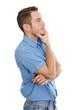 Mann mit blauem Hemd und Jeans isoliert - nachdenklich