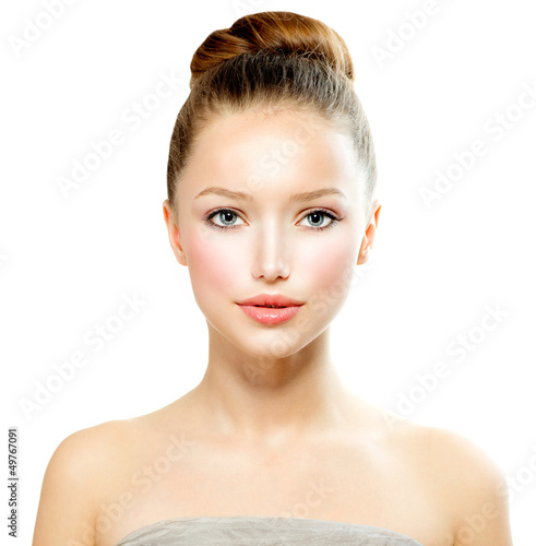 Beauty Girl. Beautiful Young Woman with Fresh Clean Skin