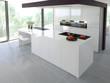 helle küche mit dekoration