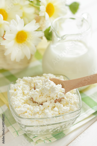 Cottage cheese and milk