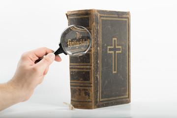 Bibel 9