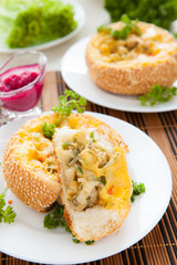 mushroom julienne cooked crispy bun