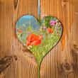 Coquelicots, coeur en bois