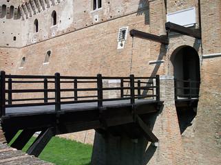 Castello di Gradara - Ponte levatoio