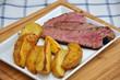 Rinderfilet mit Kartoffel Wedges