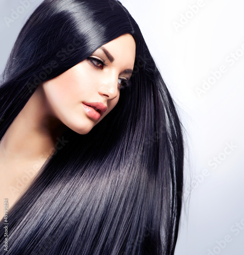 Poster Beautiful Brunette Girl. Healthy Long Hair