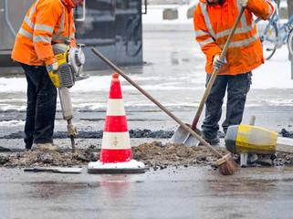 Straßenarbeiten mit Presslufthammer