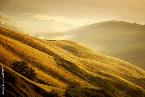 Scenic view of typical Tuscany landscape, Italy © ZoomTeam