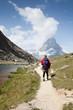 スイスアルプスでトレッキング
