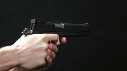 HD - Pistol shot. Glock 17