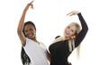 Schwarze und weiße Frau tanzen - black and white woman