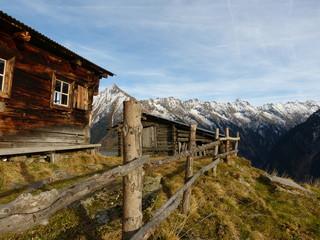 Alpen und Almhüte