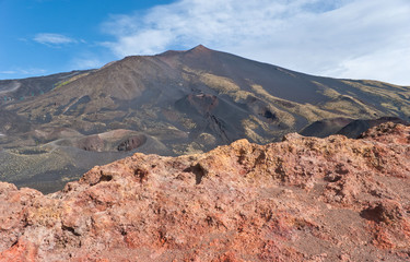 red rocks of etna