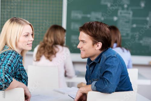 studenten schauen sich an