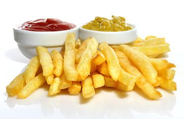 Aperitivo de patatas y ketchup.