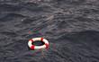 Leinwanddruck Bild - Rettungsring auf hoher See