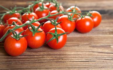 Tomaten auf Holz I