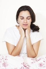 Frau mit Zahnschmerzen