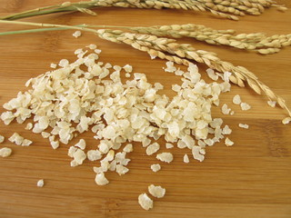 Reisflocken und Reisrispen