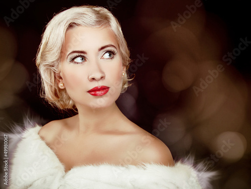 Winter Blond Girl in Luxury Fur Coat, Hairstyle